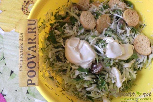 Салат из капусты с сыром, грибами и сухариками Шаг 13 (картинка)