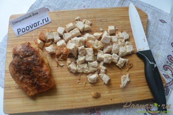 Салат из куриной грудки, яиц и зелёного горошка Шаг 10 (картинка)