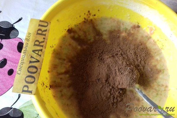 Шоколадный пирог с морковью и ягодами Шаг 7 (картинка)