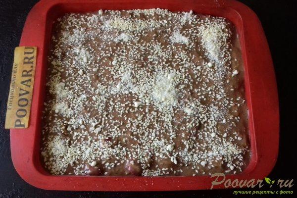 Шоколадный пирог с морковью и ягодами Шаг 12 (картинка)
