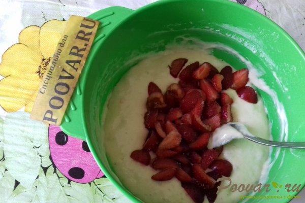 Дрожжевые оладьи с ягодами Шаг 10 (картинка)