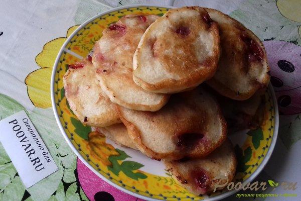 Дрожжевые оладьи с ягодами Шаг 14 (картинка)