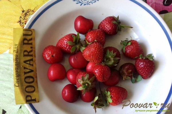 Дрожжевые оладьи с ягодами Шаг 8 (картинка)