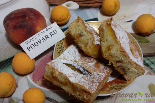 Пирог с абрикосом и персиком Изображение