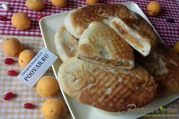 Жареные пирожки с абрикосом из бездрожжевого теста Изображение