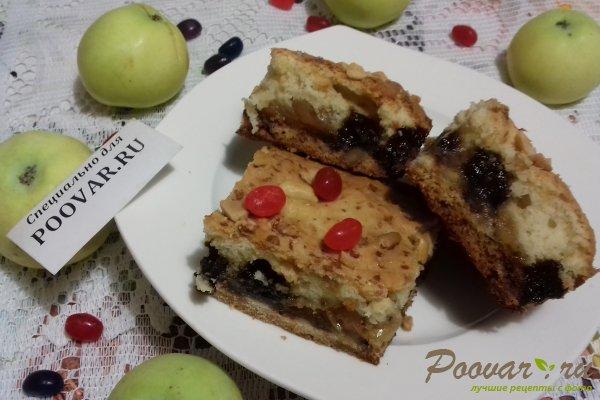 Пирог с яблоками и вишней Изображение