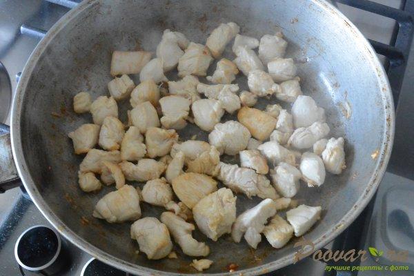 Курица с шампиньонами в сливочном соусе Шаг 4 (картинка)