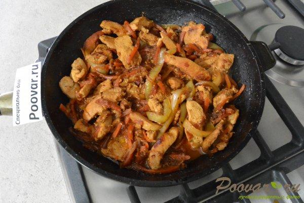 Куриное филе с овощами на сковороде Шаг 10 (картинка)