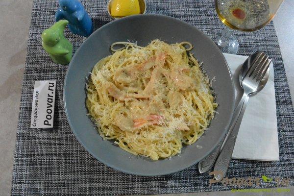Спагетти с креветками и сыром Изображение