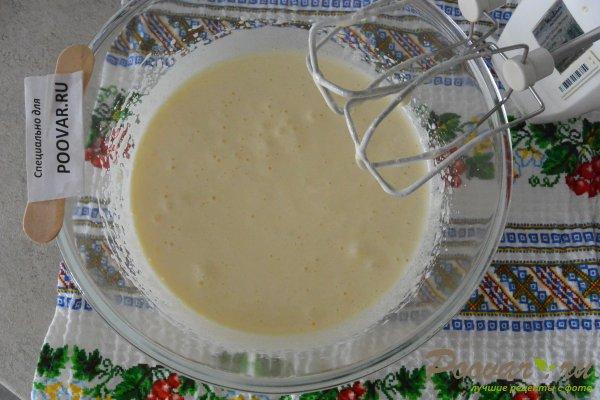 Кекс на вишневом соке с манкой и мукой Шаг 5 (картинка)